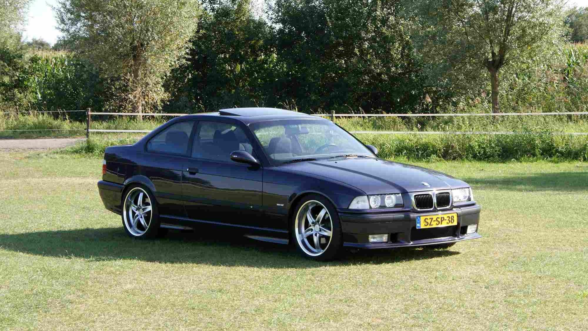 Elmark-online-automotive-content-marketing-1998-BMW-E36-328i-Coupe-2000x1390