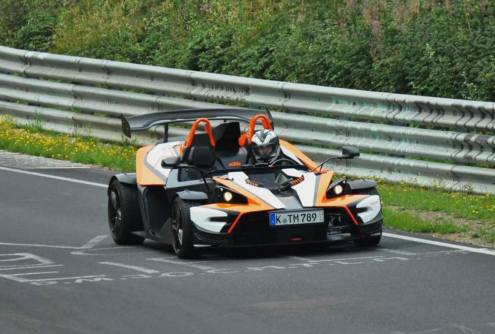 Auto's en fanaten bij de Nürburgring